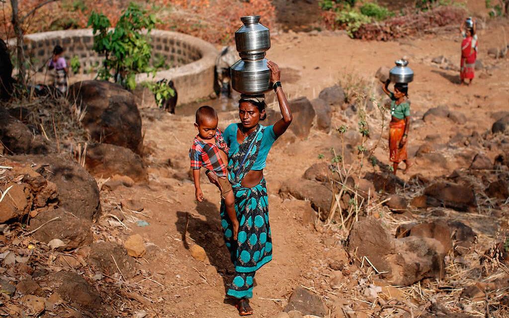 Těžký život ve vyprahlé Indii