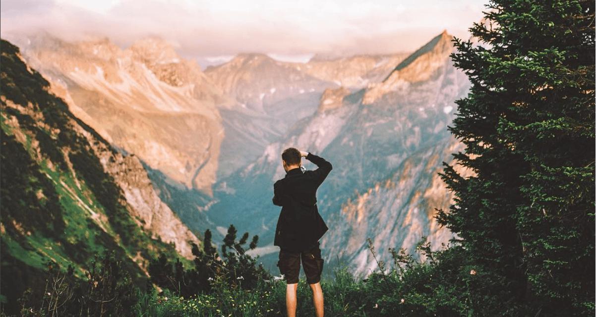 Fotky tohoto 16-ti letého kluka vás přimějí skončit v práci a cestovat