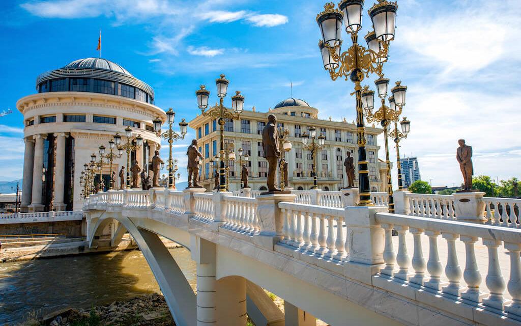 Makedonie utrácí miliardy, aby z hlavního města Skopje udělala turistickou senzaci
