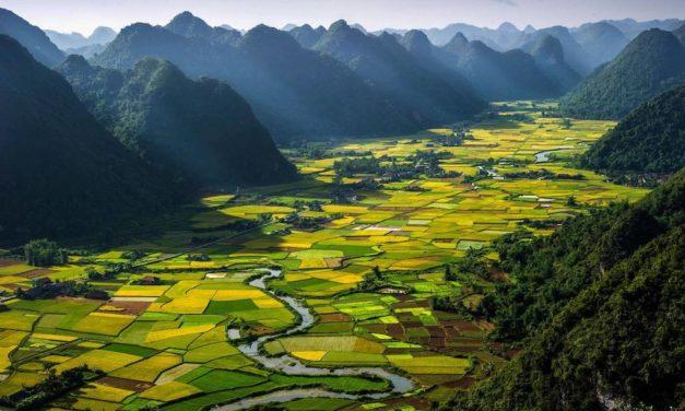 10 úžasných míst, kam cestovat, když jste mladí a máte málo peněz