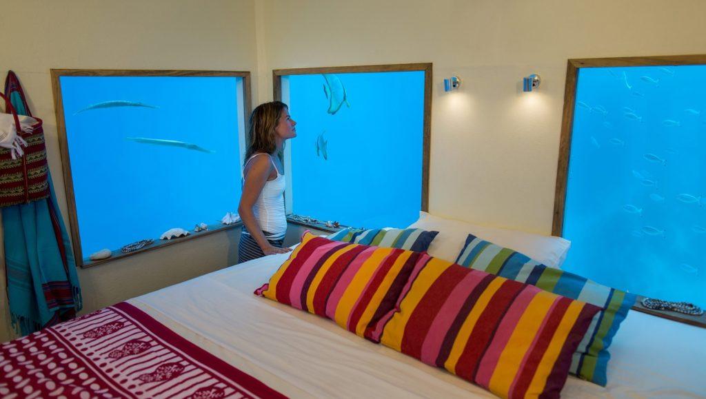underwater_hotel_inside