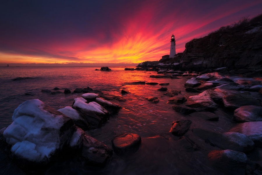 879655-amazing-lighthouse-landscape-photography-19-900-079a8aac06-1484646257