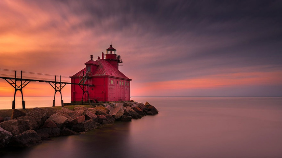 879805-amazing-lighthouse-landscape-photography-13-900-fc199a1797-1484646257