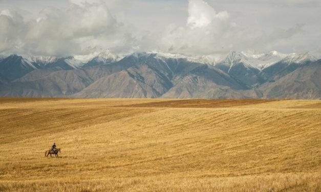 Kyrgyzstán je zemí nekonečných hor, polodivokých koní a pohostinných lidí