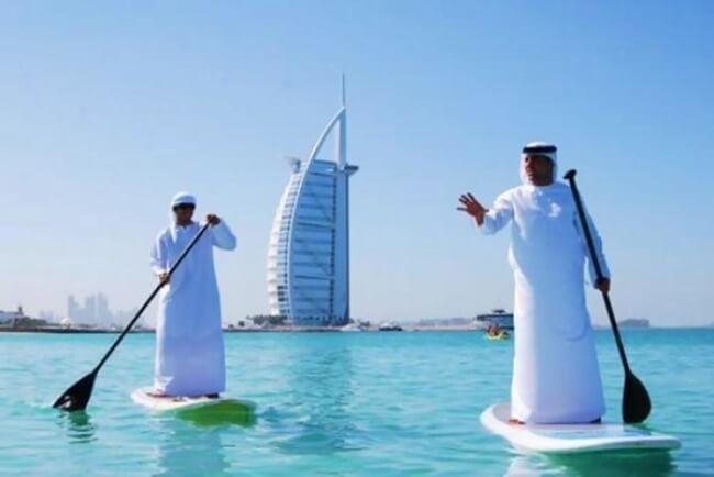 surfování v Dubaji