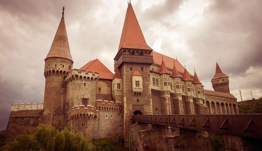 corvin hrad rumunsko