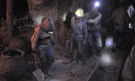 Extrémnější práci si těžko dokážete představit: reportáž ze stříbrných dolů v Bolívii