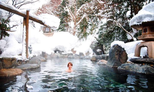 Japonské horké lázně – místo, kde se nazí koupete s celou rodinou