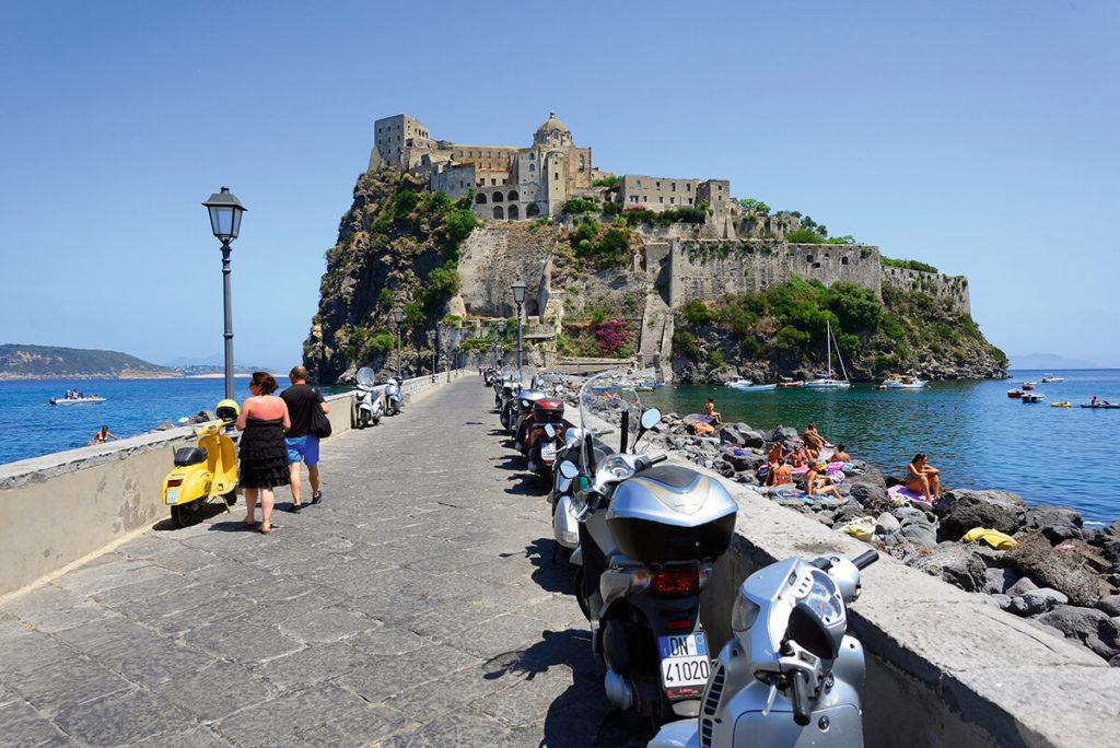 KO1510_Italie_Neapol__DSC4702-Aragon. hrad-2