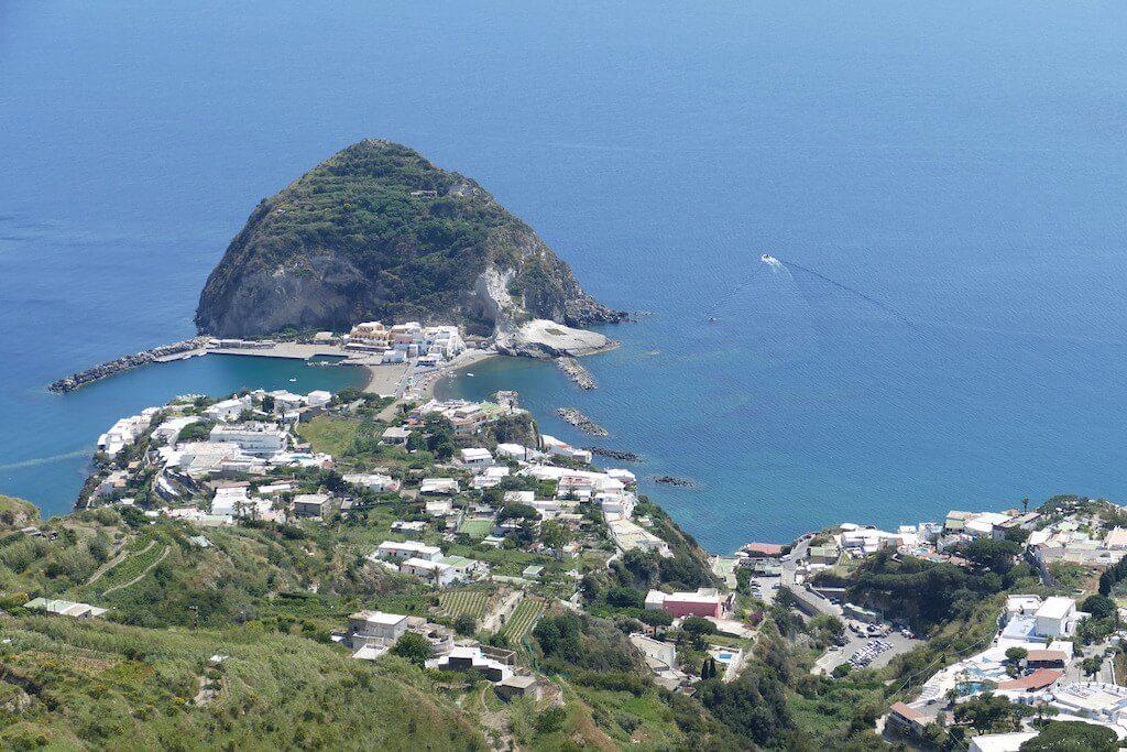 Pekelné ostrovy Itálie, kde si v moři uvaříte vajíčka8 minut čtení