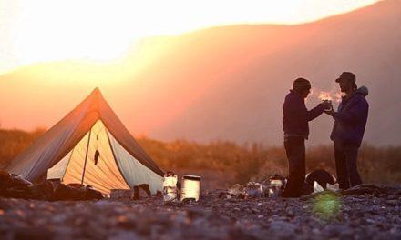 30 nejkrásnějších míst pro kempování na divoko ve světě