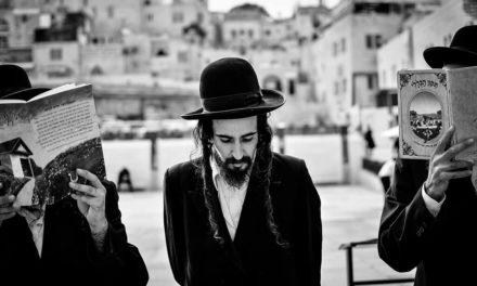 Nahlédněte do života ultra-ortodoxních Židů z Izraele