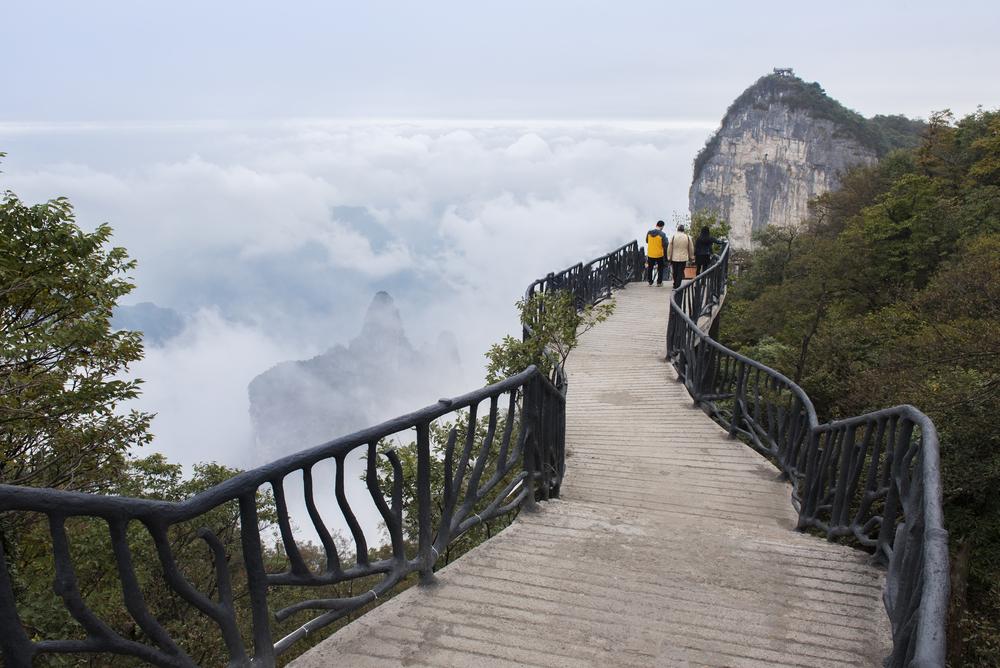 V Číně otevřeli otevřeli další děsivý skleněný chodník