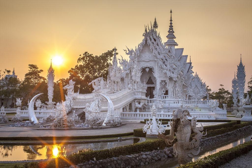 Těžko uvěříte, že tento chrám na severu Thajska je ve skutečnosti novostavbou8 minut čtení