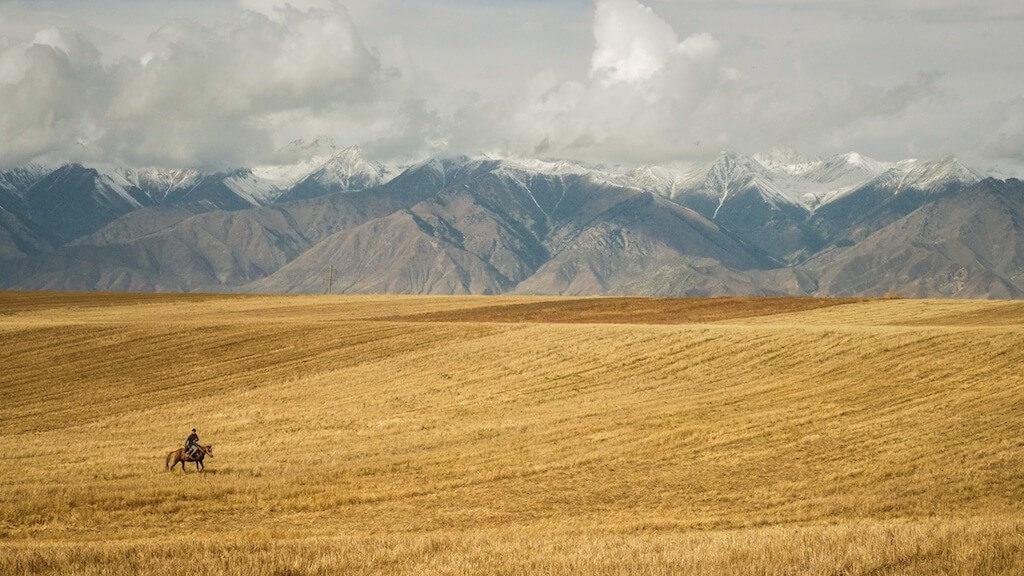 Kyrgyzstán je zemí nekonečných hor, polodivokých koní a pohostinných lidí6 minut čtení