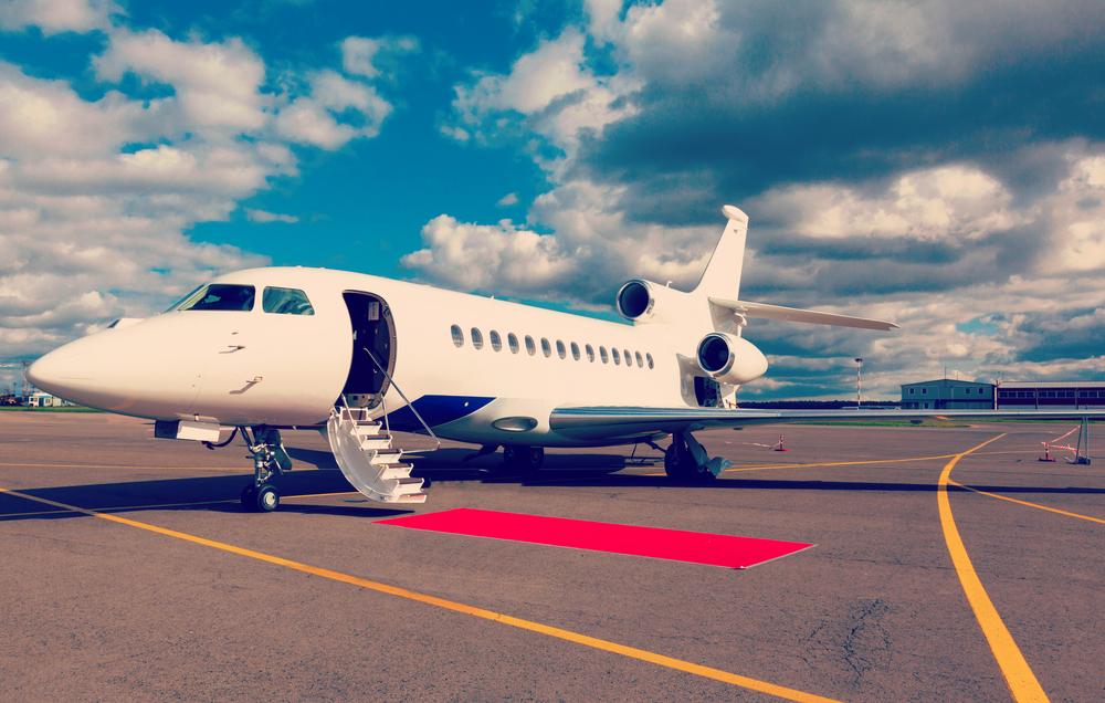 Jaké poplatky na vás čekají před odletem a někdy i během letu?