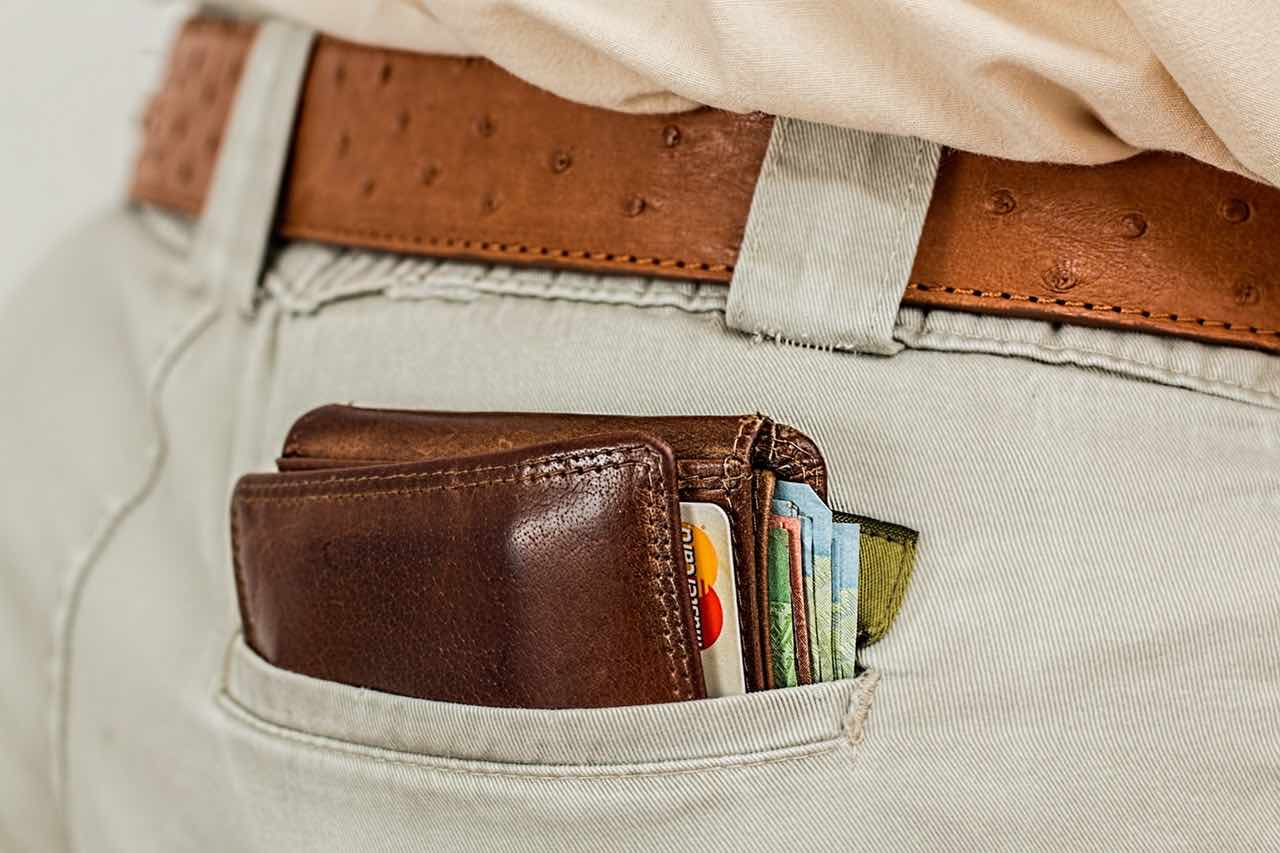 wallet-cash-credit-card-pocket (1)