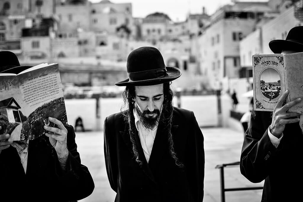 Nahlédněte do života ultra-ortodoxních Židů z Izraele10 minut čtení