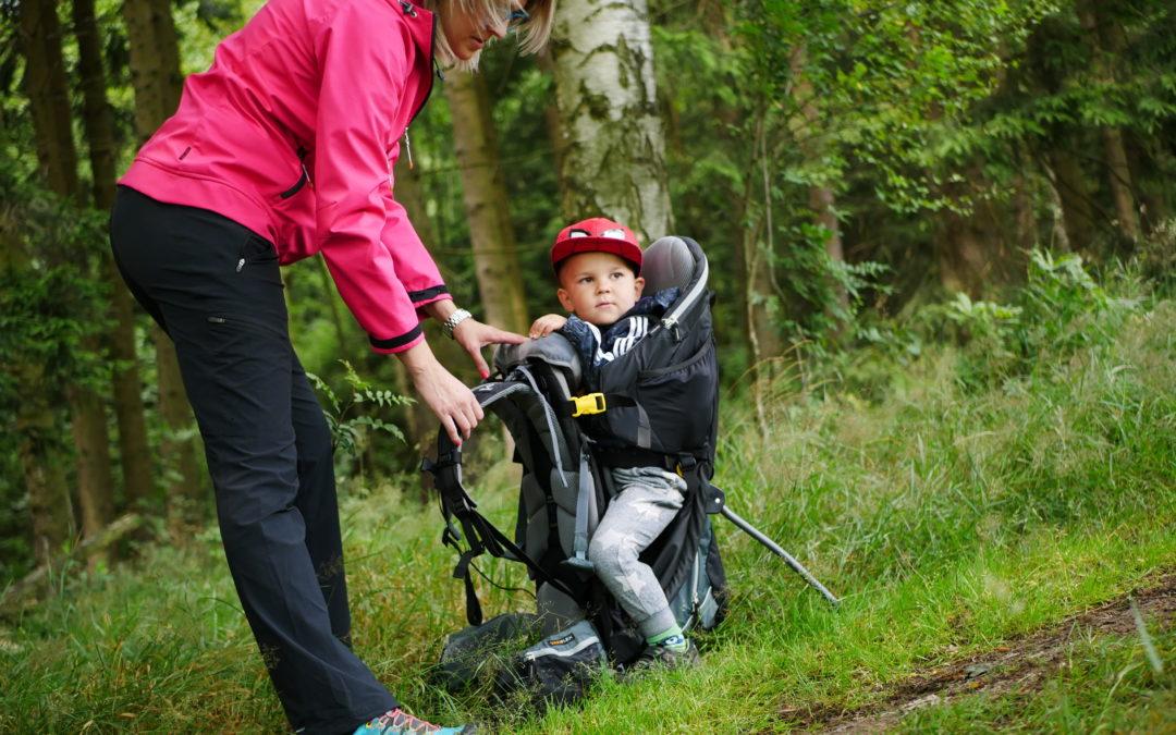 Jak správně vybrat krosnu na dítě pro vaše toulky přírodou