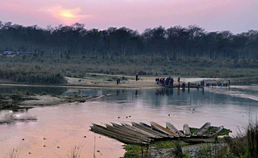 pěší safari západ slunce