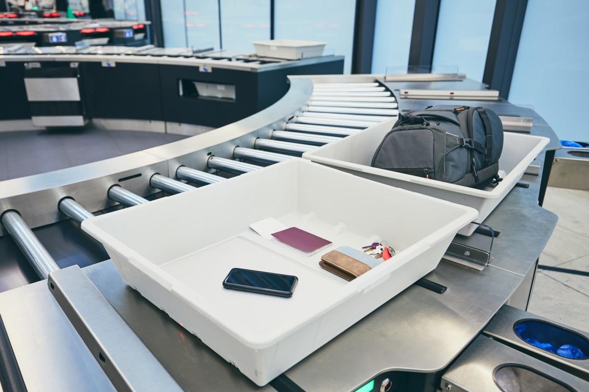 letiště security kontrola