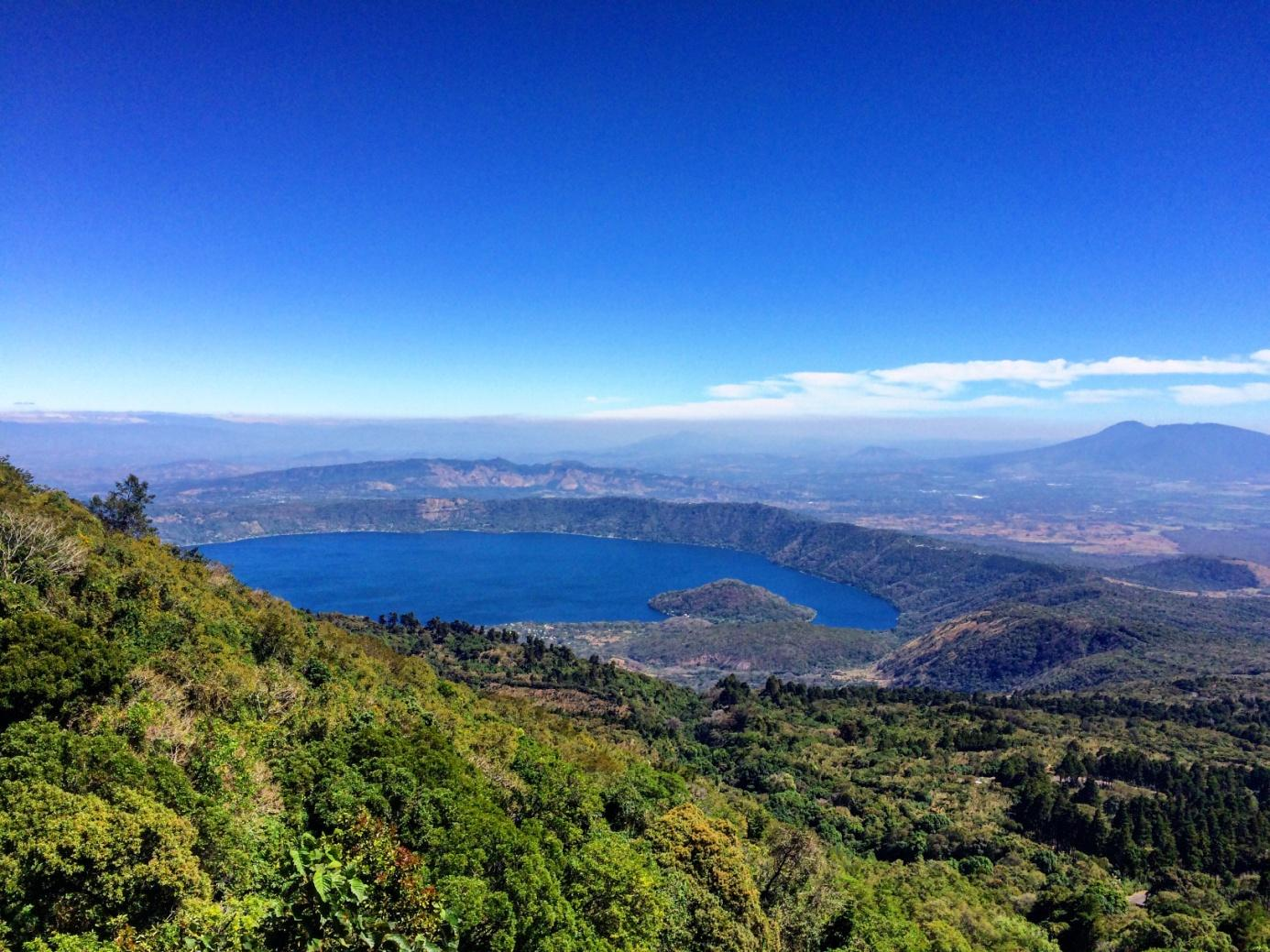 kalderové jezero Coatpeque