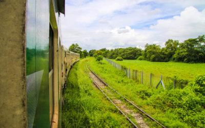 Okružní jízda vlakem po Rangúnu s místními