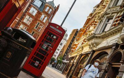 Londýn před a po: Dvoumetrové rozestupy a double-deckery zející prázdnotou