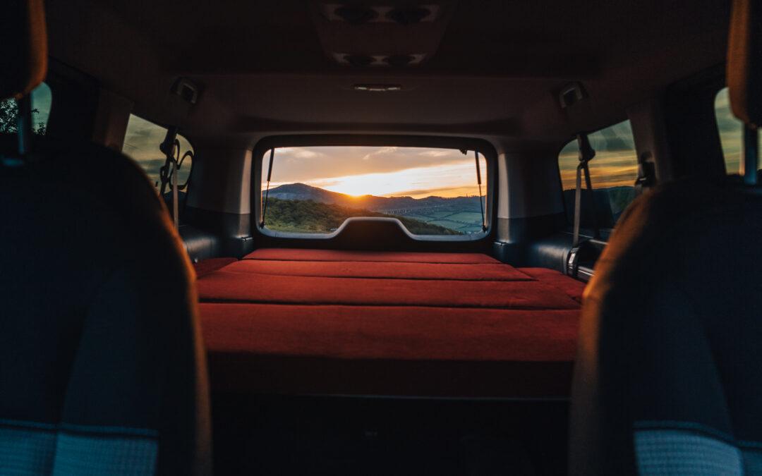Jak chytře vyzrát na pravidla dovolené v karavanu